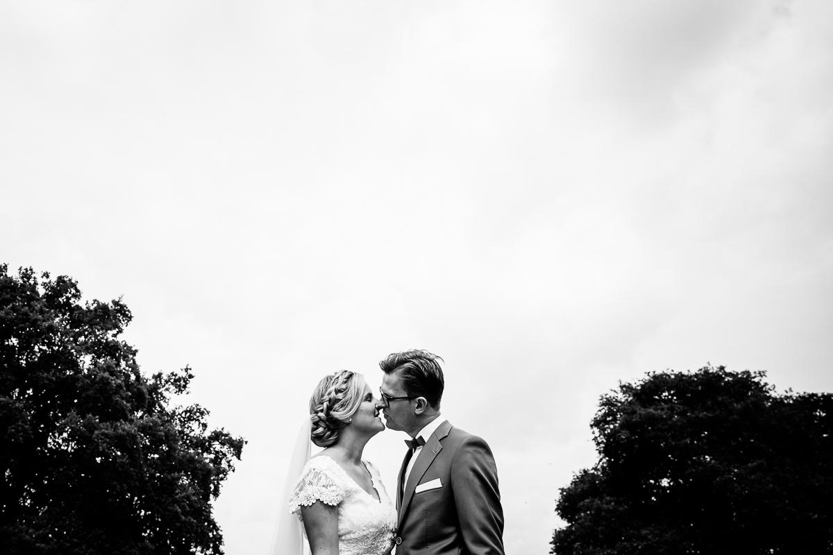 Bruidsfotograaf-Brummen-Bronckhorsthoeve-016