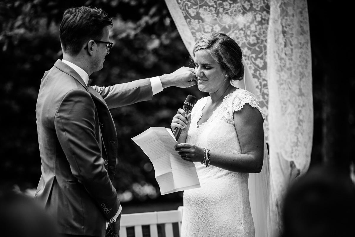 Bruidsfotograaf Brummen Bronckhorst Hoeve | Matthijs & Kim-007