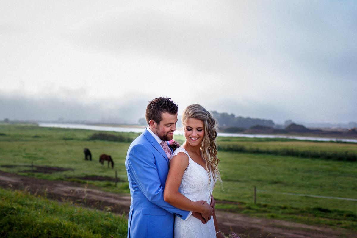 trouwen-op-een-boerderij-hattem-005jacob-daphne